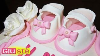 Chaussures de bébé en pâte à sucre